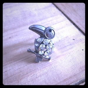 Costume silver toucan ring with rhinestones
